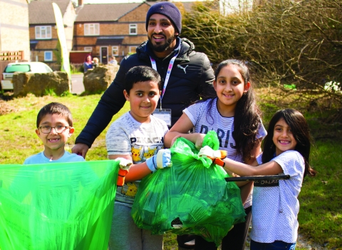 Litter pick group Bradford